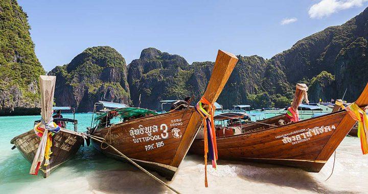 Ilhas exuberantes de Phi Phi na Tailândia