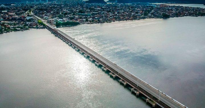 Tráfego de ônibus na Ponte dos Barreiros