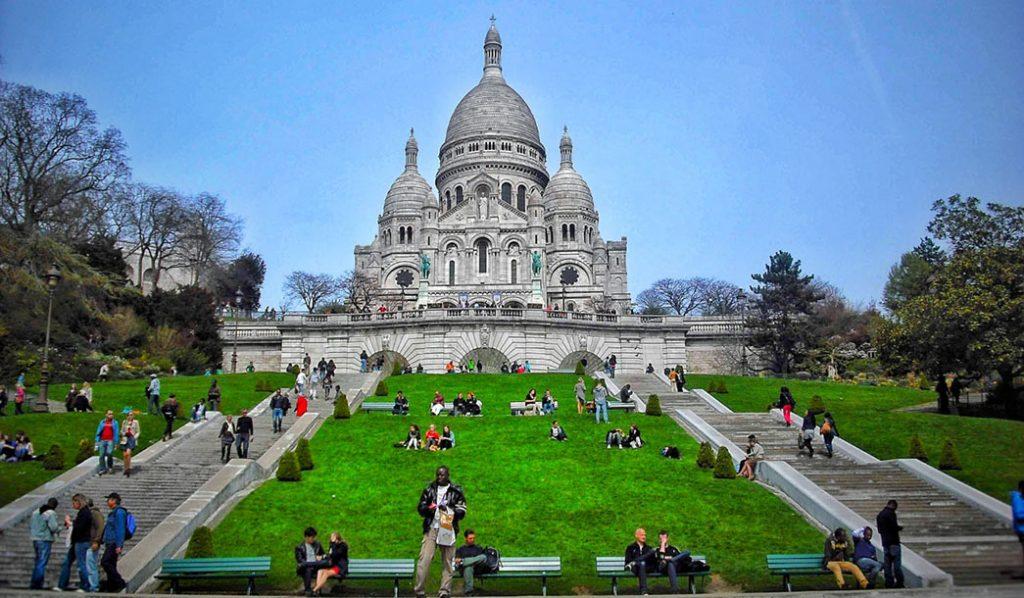 Montmartre o bairro charmoso de Paris